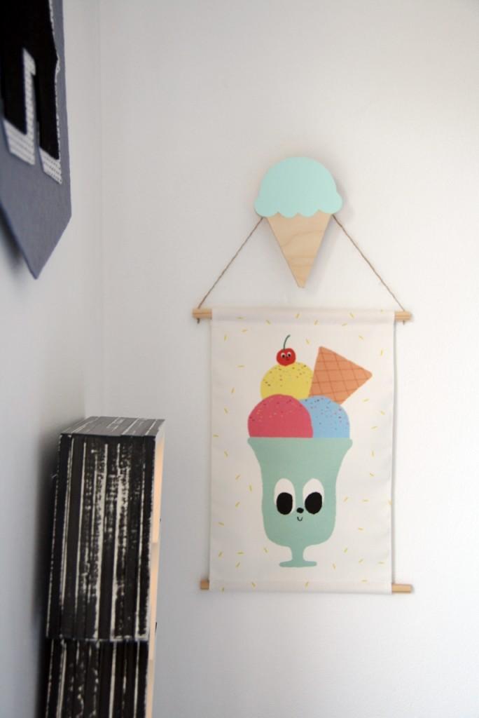 Guimo icecream pendant - wiggles piggles