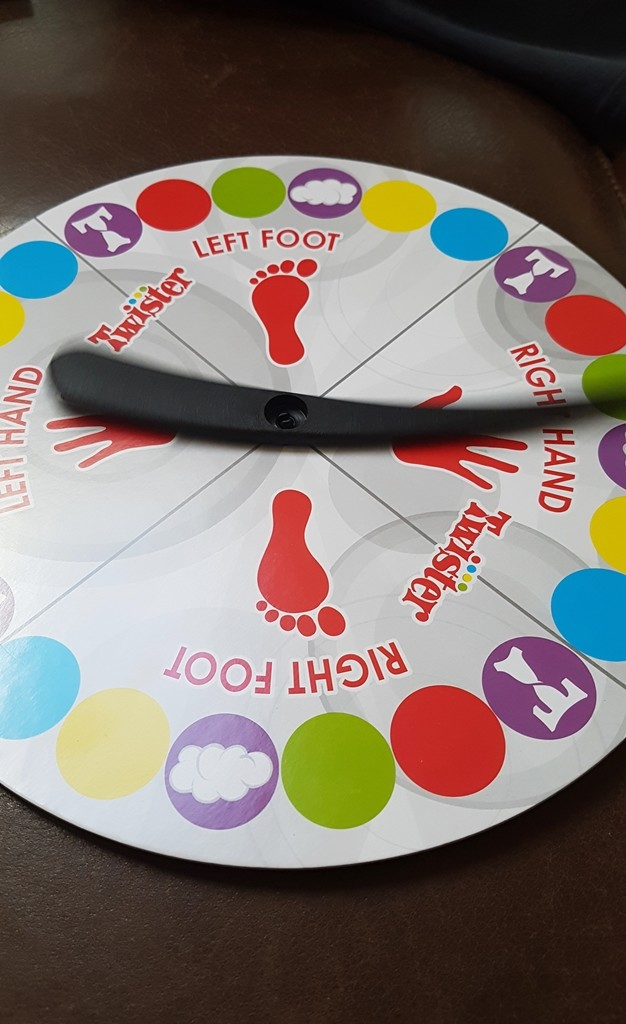 twister-hasbro-spinner